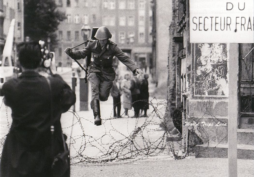 Berlino: la storia del Checkpoint Charlie