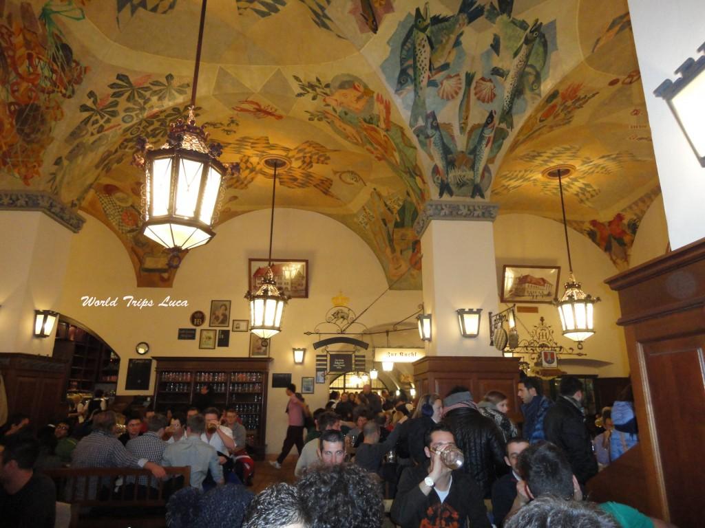 Dove mangiare a Monaco: la mitica birreria Hofbräuhaus