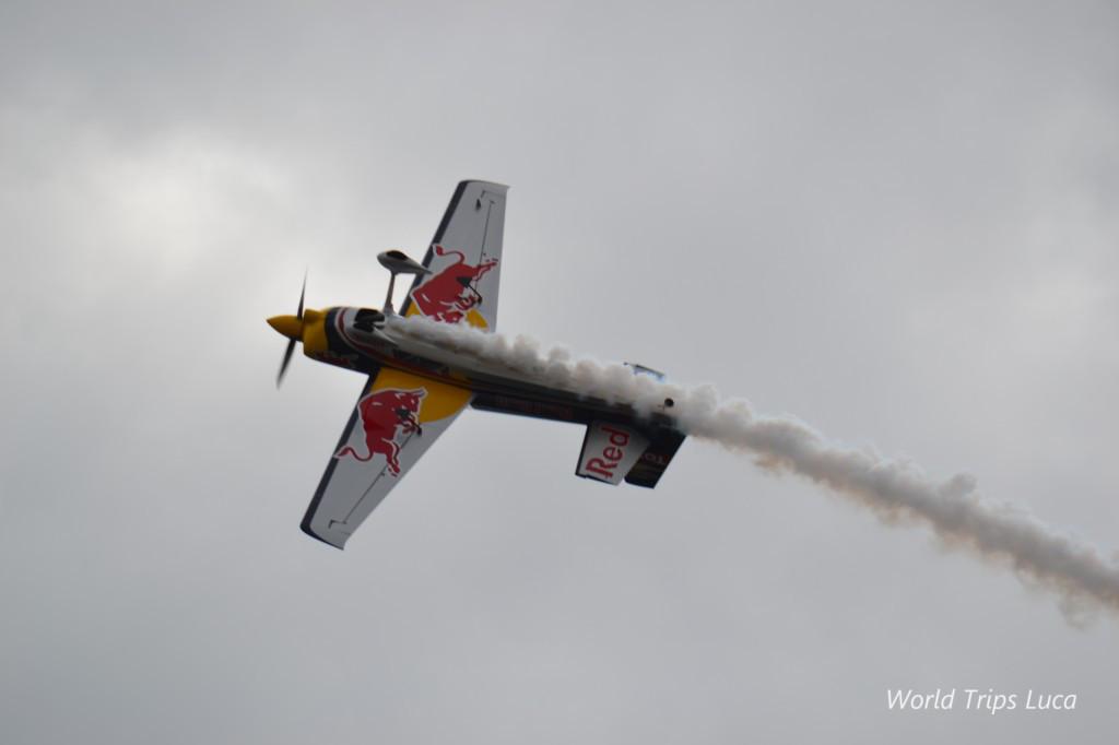 Napoli, America's Cup: grande spettacolo per l'esibizione acrobatica firmata Red Bull