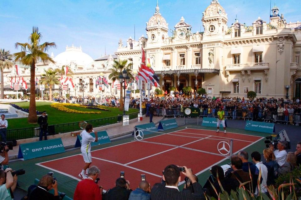Montecarlo, Djokovic e Murray si sfidano nella Piazza del Casinò