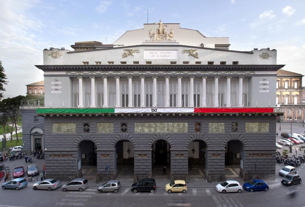 Migranti: Napoli, al San Carlo concerto per l'accoglienza