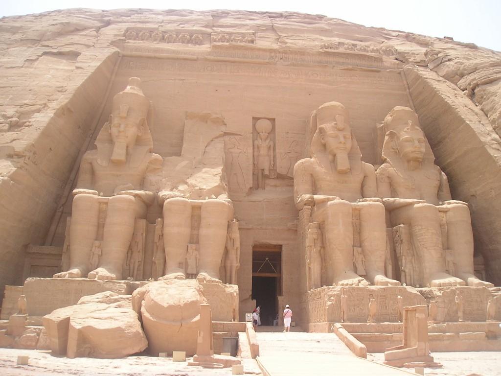 """Ramesse & l'amore per Nefertari: semplicemente """"Abu Simbel"""""""