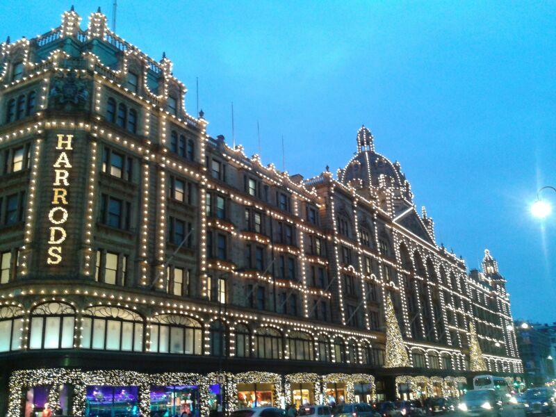 Natale a Londra: da Harrods prende il via la stagione natalizia
