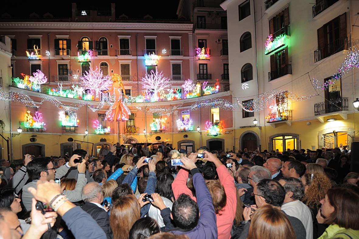 """Salerno: al via la stagione natalizia con la nuova edizione de """"le Luci d'Artista"""""""
