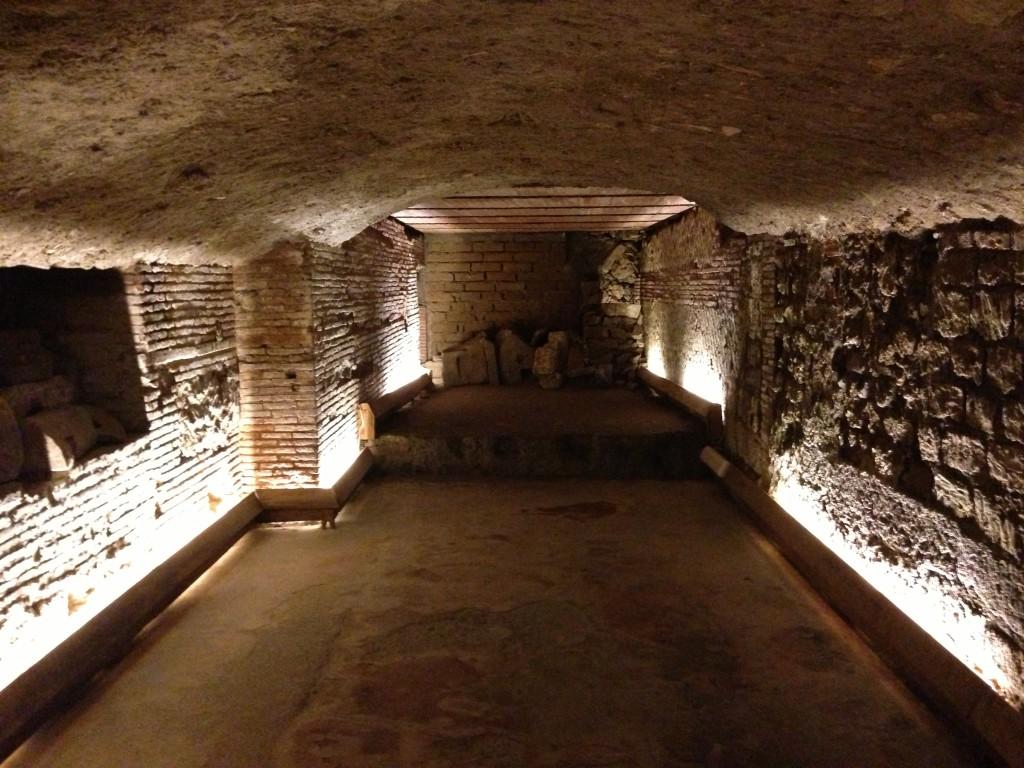 L'Oro di Napoli: il teatro greco romano in via dei Tribunali
