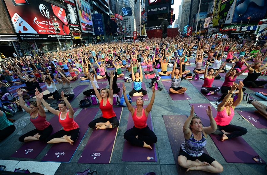Pic of World Trips – Yoga a Times Square