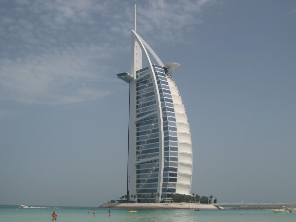 Il Burj Al Arab di Dubai compie 15 anni