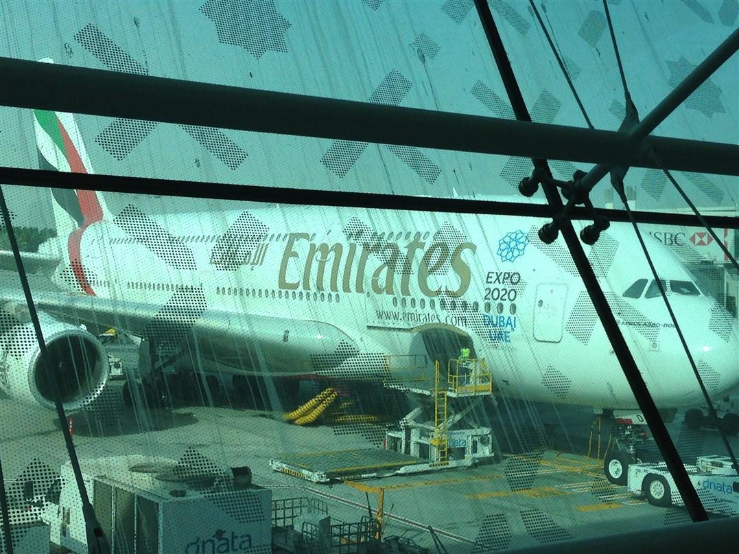Emirates presenta l'A380-800, il nuovo aereo più grande del mondo