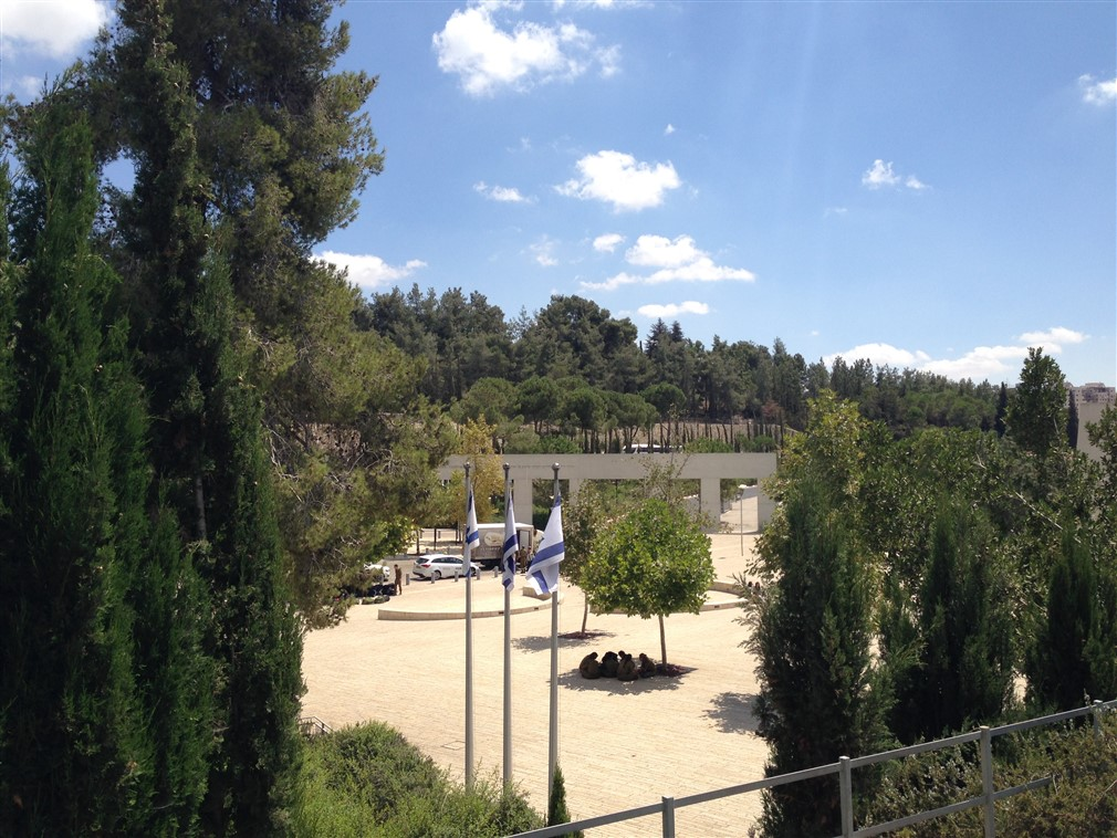 yad vashem holocaust memorial (14)