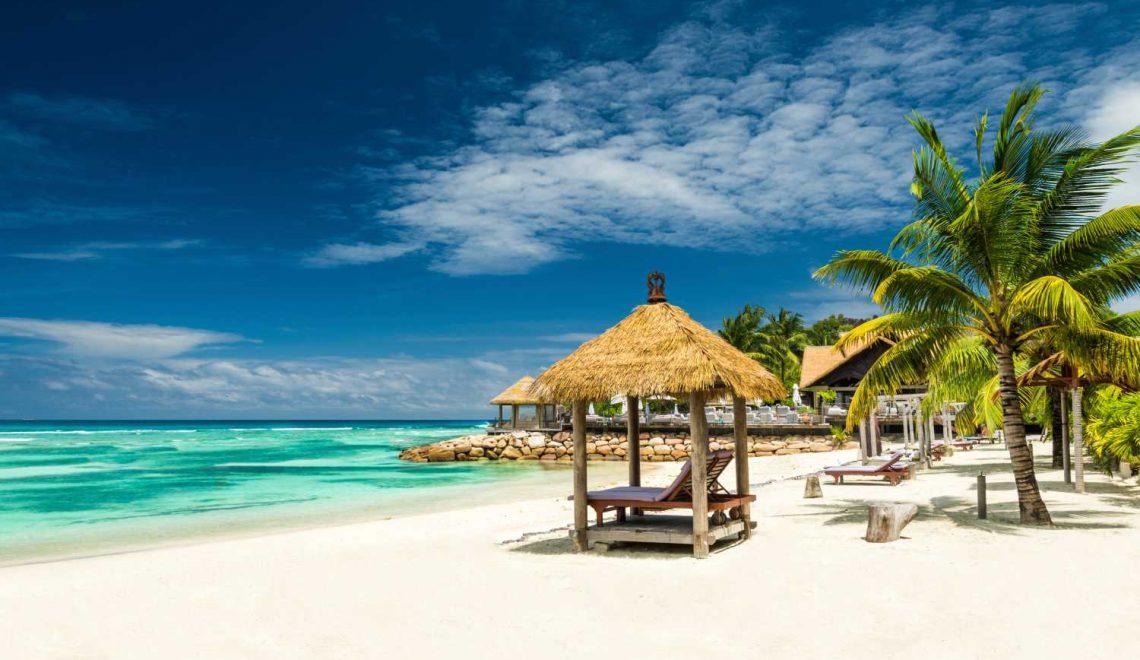 Vola nel paradiso delle isole Seychelles con Qatar Airways