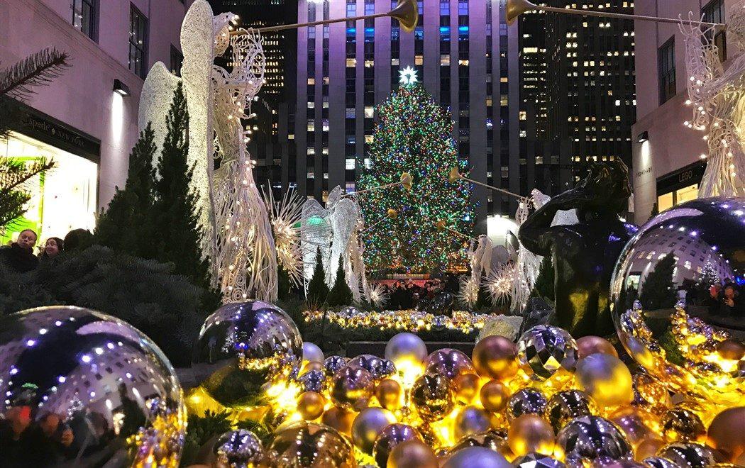 L'accensione dell'albero di Rockefeller segna l'inizio del Natale a New York