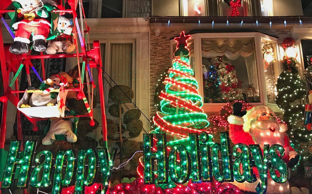 Immagini Natale A New York.Le Luci Di Dyker Heights Come Arrivare E Tutte Le Curiosita Su Un
