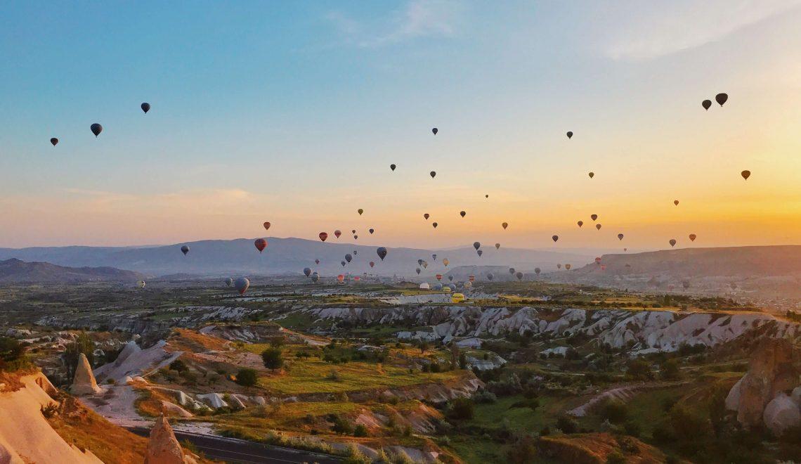 Volare in mongolfiera sulle valli della Cappadocia