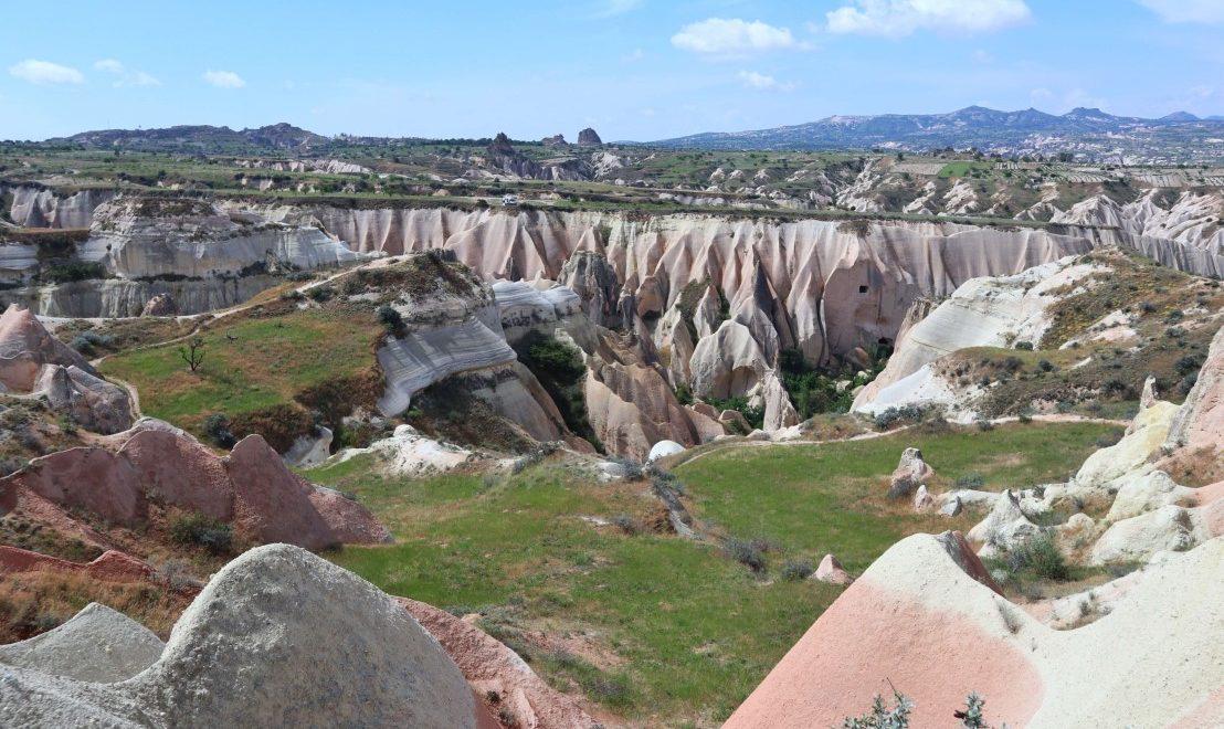 Trekking tra i camini delle fate e le vallate della Cappadocia
