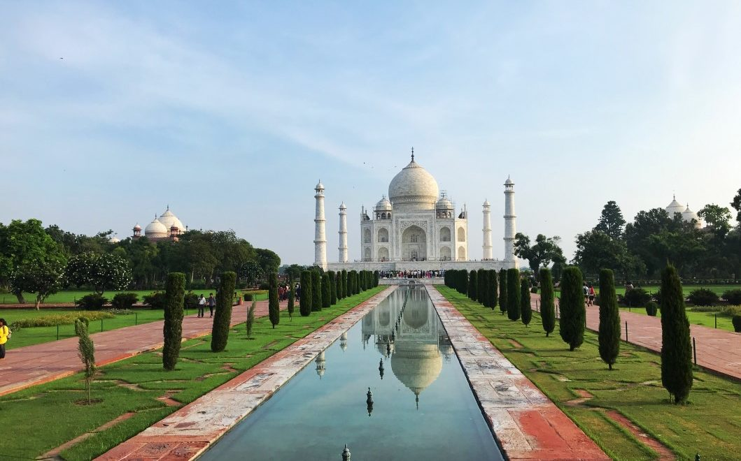 India. Ad Agra per visitare il Taj Mahal, simbolo dell'amore eterno
