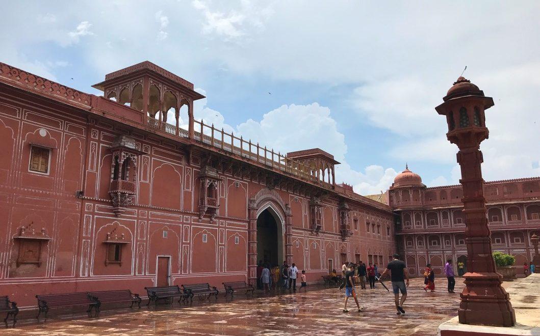 Visitare il City Palace di Jaipur, dove vivono i Maharaja