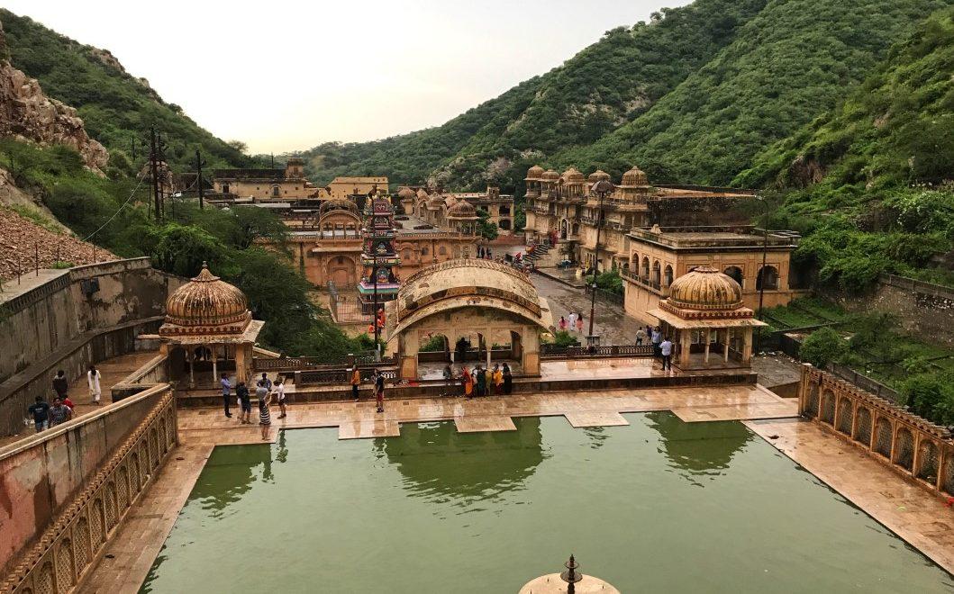 Visitare il tempio delle scimmie di Galta nei dintorni di Jaipur