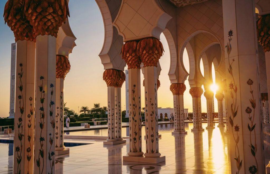 Come spostarsi da Dubai ad Abu Dhabi in giornata