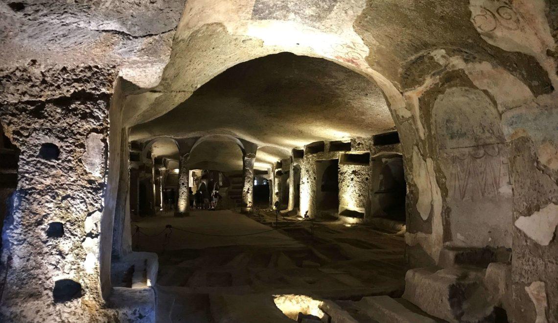 Come organizzare una visita alle Catacombe di Napoli