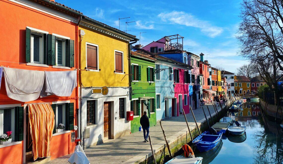 Escursione a Burano: l'isola dai mille colori vicino Venezia